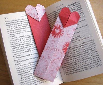 Pretty and Unique Origami Bookmark