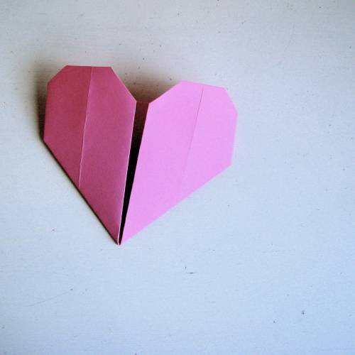 how to make an origami love heart