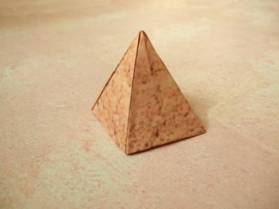 how to make a paper pyramid easy