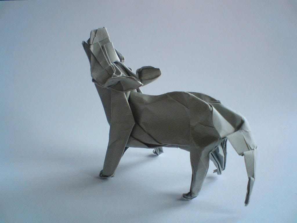 Howling Origami Wolf