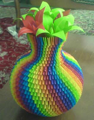Rainbow color vase at Www.Origami