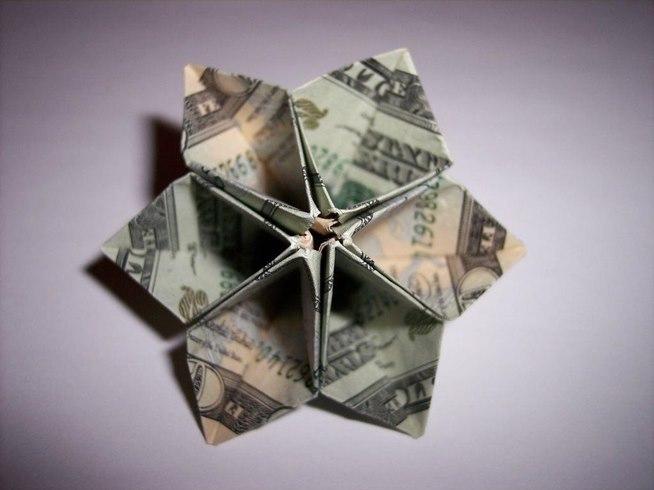 Pretty dollar bill origami flower