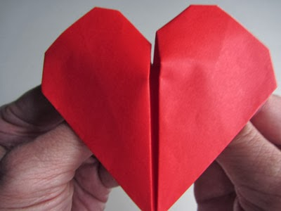 Beauteous origami beating heart