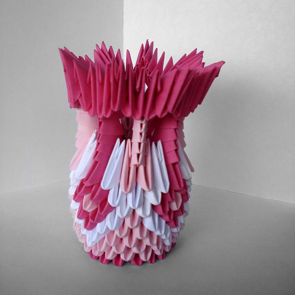 Detail origami flower vase