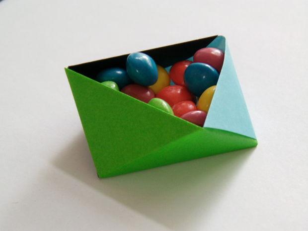 Compact paper box origami