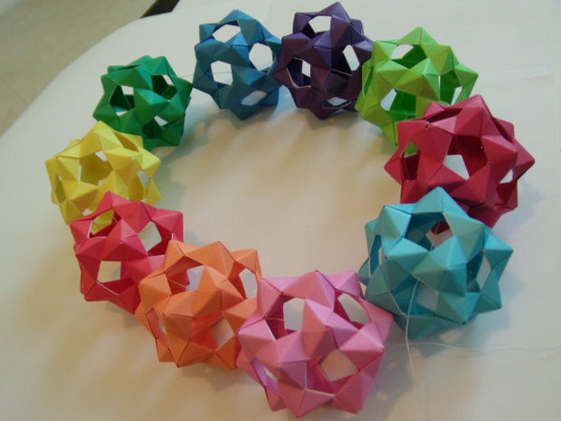 Modular Origami Dodecahedron Instructions 30 units